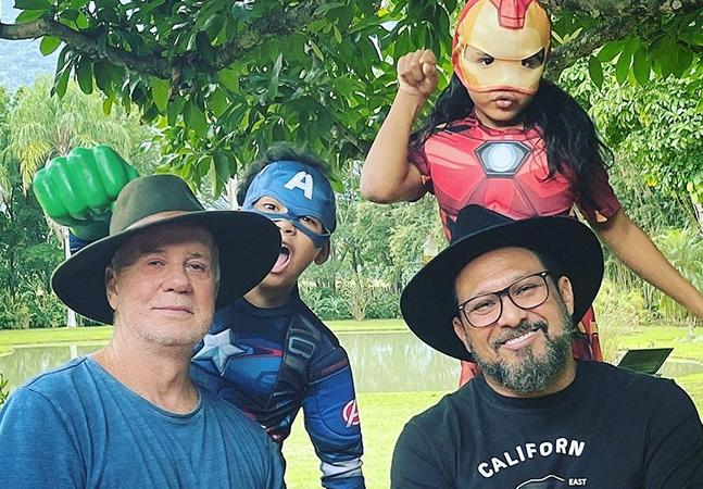 Luiz Fernando Guimarães e marido matricularam filhos em curso sobre relação homoafetiva