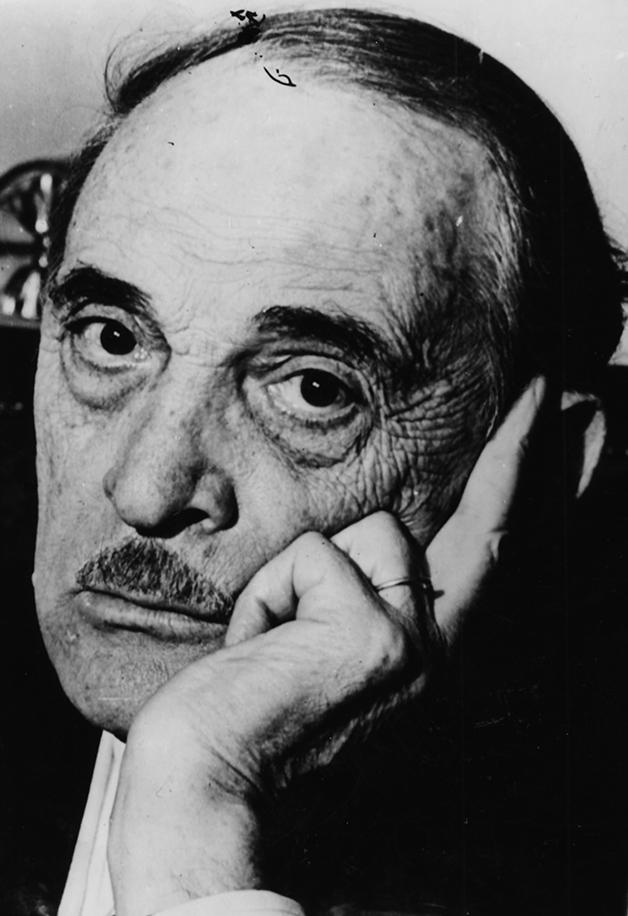O médico francês Serge Voronoff