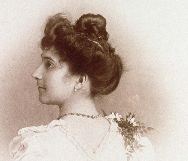 Nascida em 1875, Calment tinha 20 anos quando dessa foto, em 1895