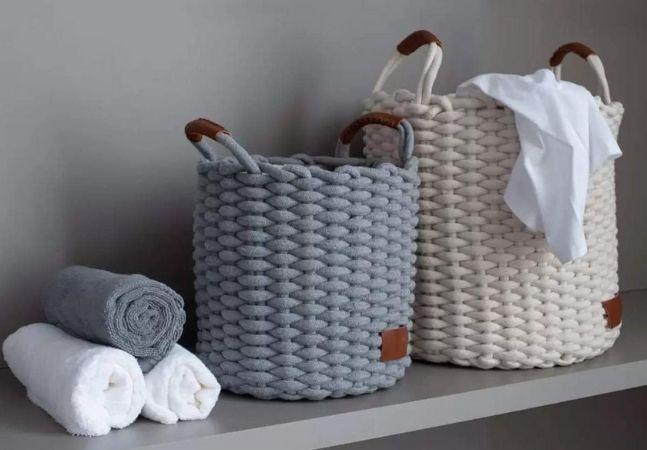Organizadores e cestos elegantes para esconder a bagunça com muito estilo