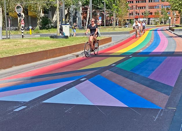 A maior ciclovia arco-íris do mundo