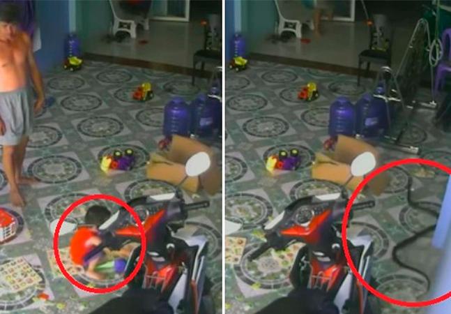 Cobra persegue e tenta atacar bebê dentro de casa; veja vídeo