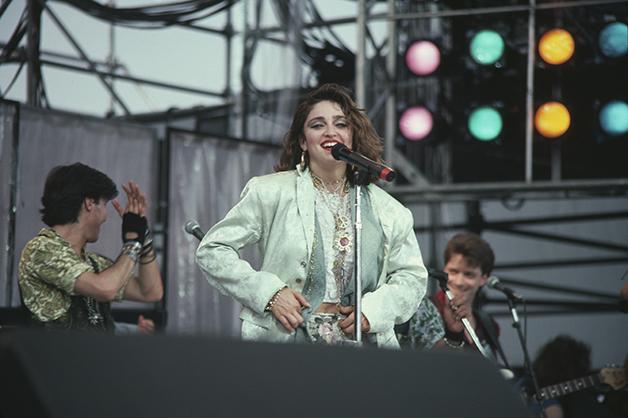Madonna durante seu show na Filadélfia, no palco dos EUA do Live Aid