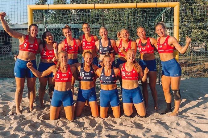 Seleção de handebol de praia da Noruega é multada por recusar jogar de biquíni