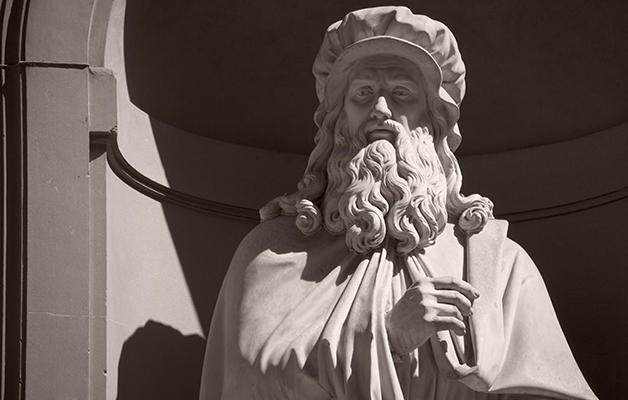 Estátua de Da Vinci em Florença
