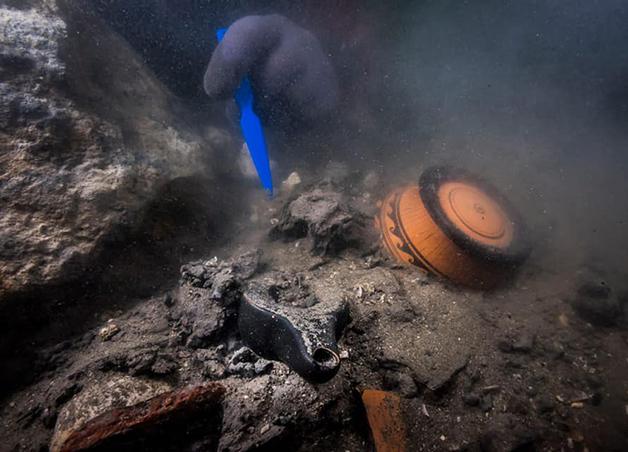 Artefatos no navio grego
