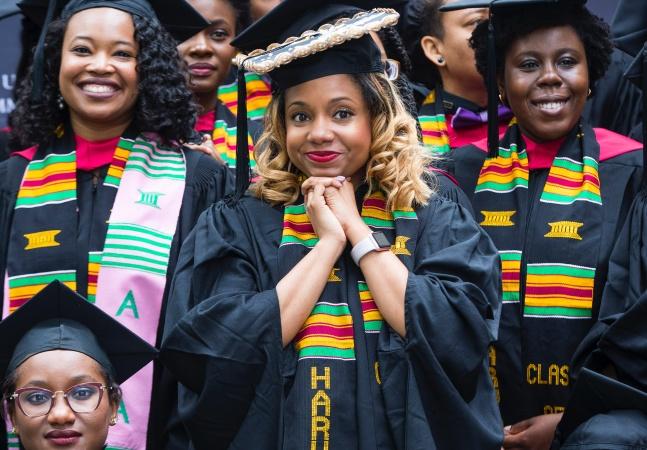 Harvard oferece bolsas de estudo de até R$ 70 mil