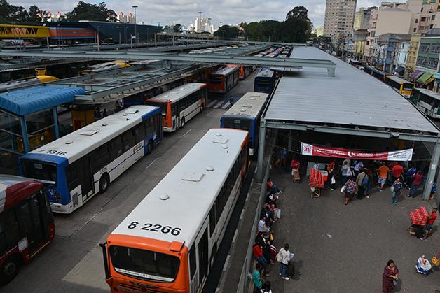 Os terminais de ônibus são os pontos de maior disseminação de Covid-19