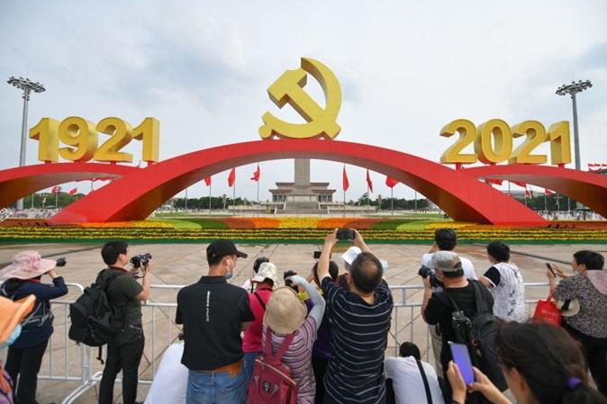 China tem o segundo maior número de bilionários do mundo e enfrenta geração cansada do excesso de trabalho