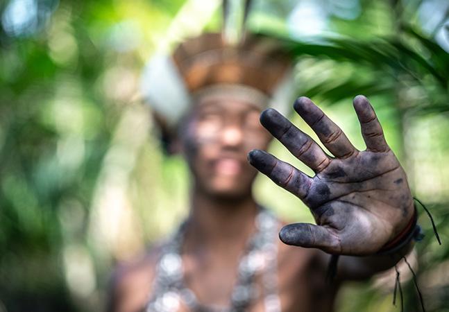 Tenente do exército e coordenador da Funai, militar sugere 'meter fogo' em indígenas isolados