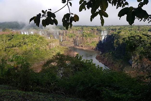 As cataratas do Iguaçu sem água