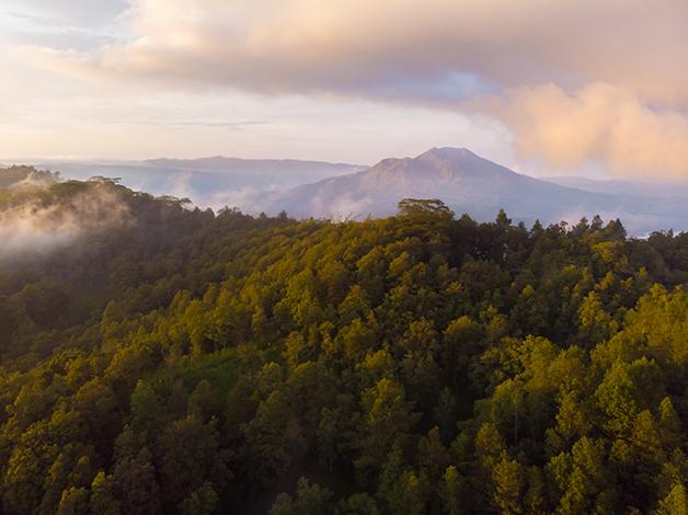 Vista aérea do Monta Batur, na Indonésia