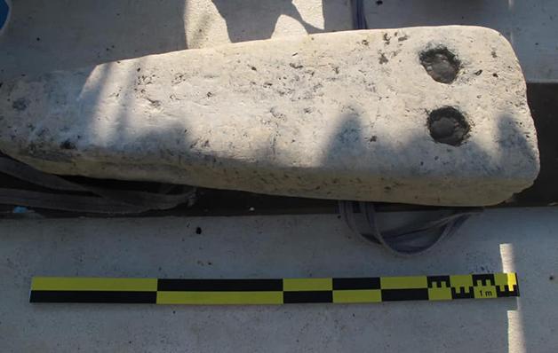 Peças encontradas junto da carcaça do navio