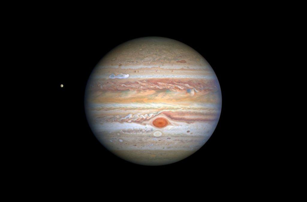 Astronomo amador usa dados de 2003 para descobrir Lua de Júpiter
