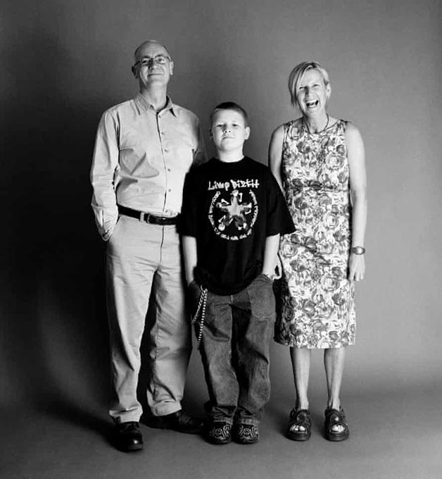 Em 2001, Frank e Sue tinham 46, e Eddie tinha 10