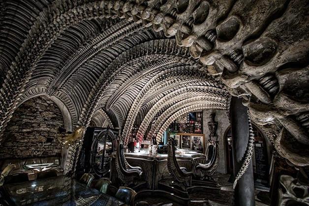 O bar do museu de H. R. Giger