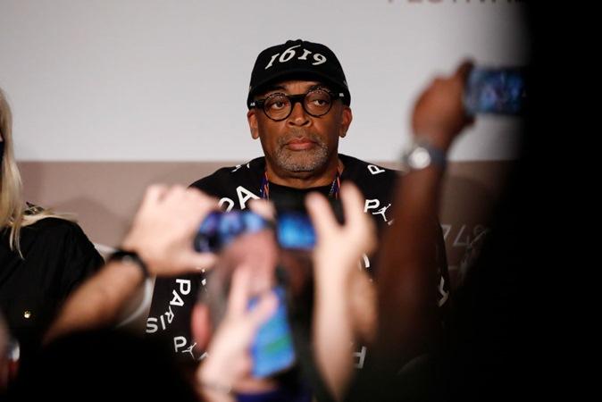 Spike Lee diz em 'Cannes' que Bolsonaro é 'gângster' e não 'tem escrúpulos'