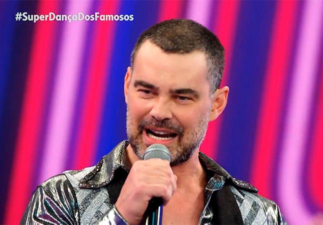 Carmo Dalla Vecchia, que falou pela 1ª vez sobre sexualidade e transfobia na Globo, é casado com autor de 'Avenida Brasil'