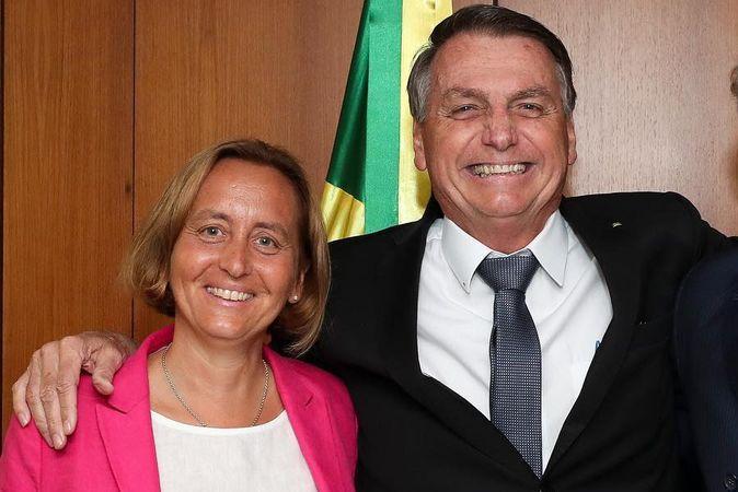 Quem é o ministro nazista de Hitler cuja neta posou ao lado de Bolsonaro