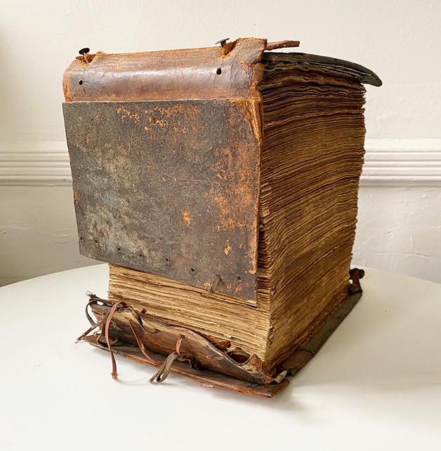 O livro de recortes de I.A. Persinger