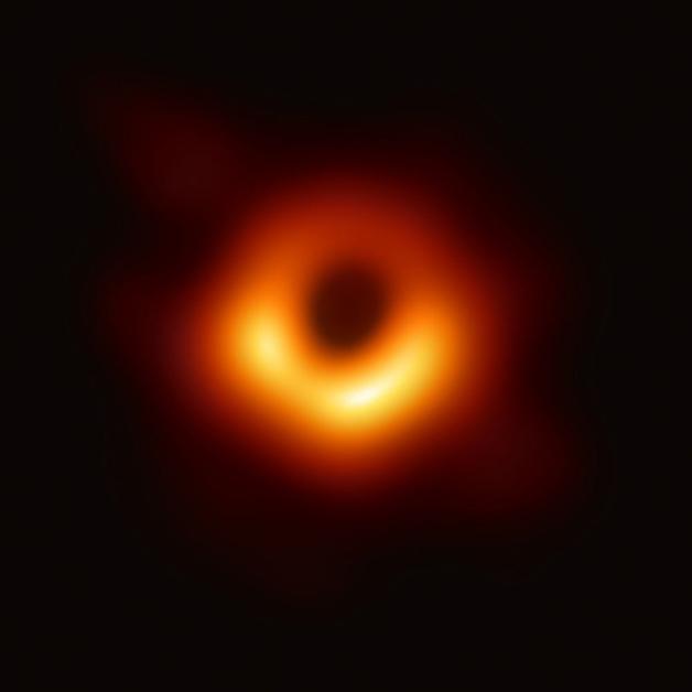 A primeira foto de um buraco negro, registrada em 2019
