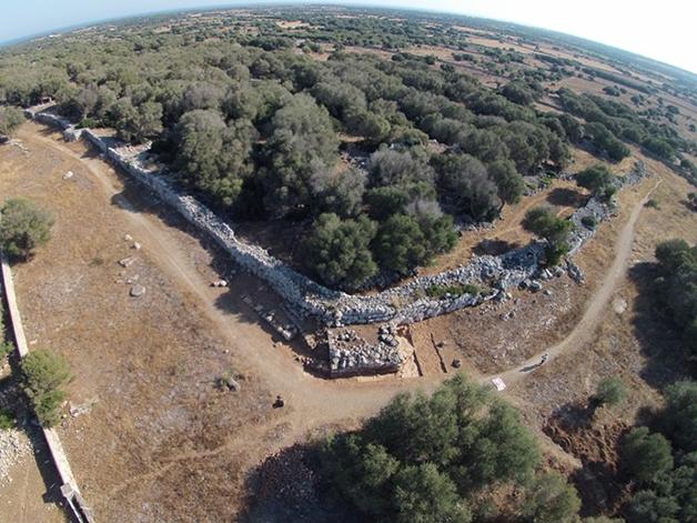 Vista aérea do sítio arqueológico de Son Catlar