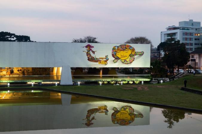 OsGemeos: grafite no Museu Oscar Niemeyer revolta bisneto de arquiteto: 'É uma afronta'