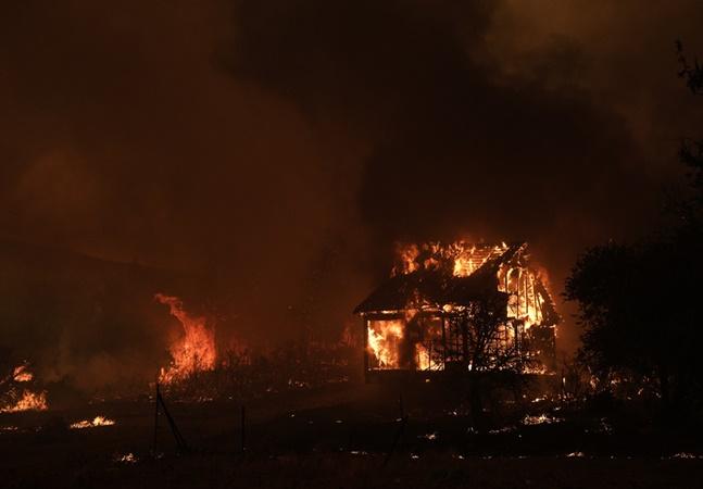 Clima: Itália ferve com 49º C e Grécia com incêndio 'sem precedentes e de proporções desastrosas'