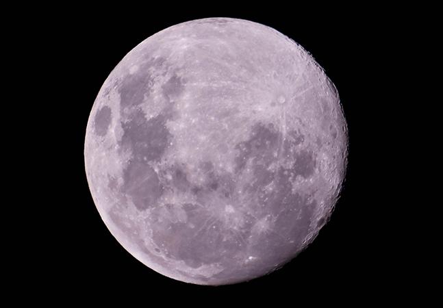 Lua Azul é destaque do mês. Confira o calendário astronômico de agosto