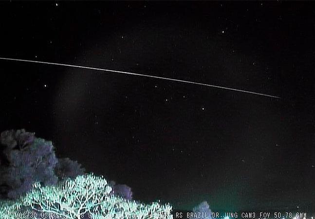 Meteoro mais longo já visto no céu do Rio Grande do Sul impressiona cientistas