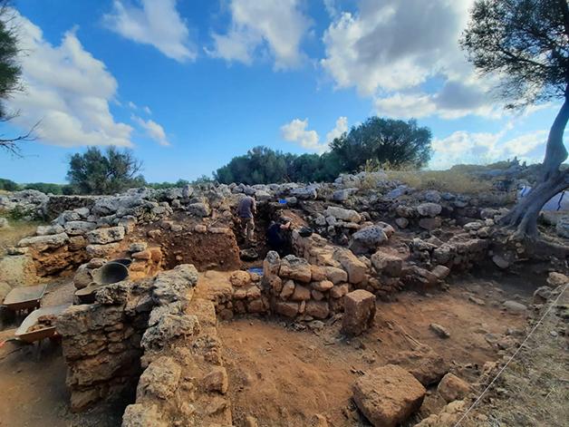 Sítio arqueológico em Menorca