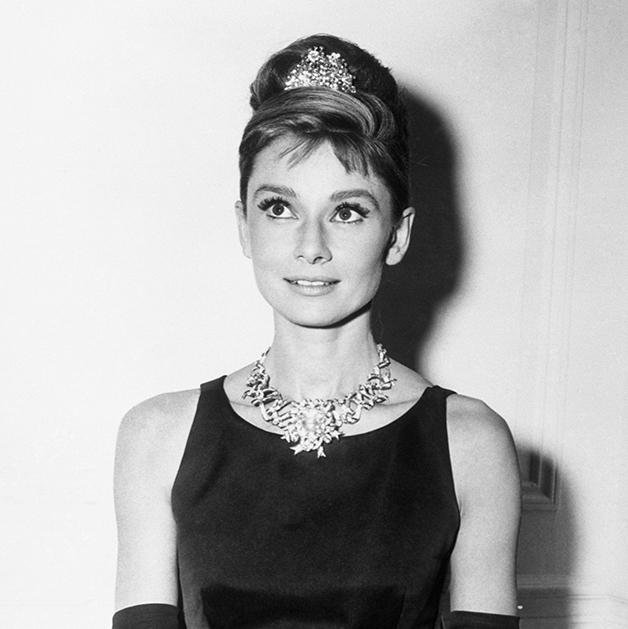 Audrey Hepburn com o diamante da Tiffany