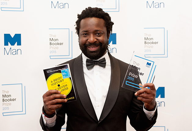 James ao vencer o Man Booker Prize, em 2015