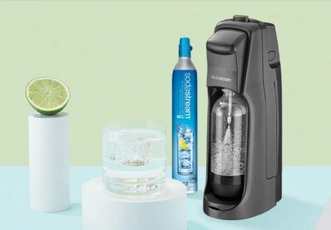 Conheça a máquina para fazer água com gás e diminuir o consumo de garrafas de plástico