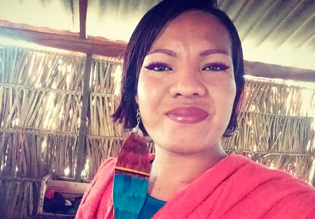 Transexual indígena celebra posto de cacique em aldeia do MT