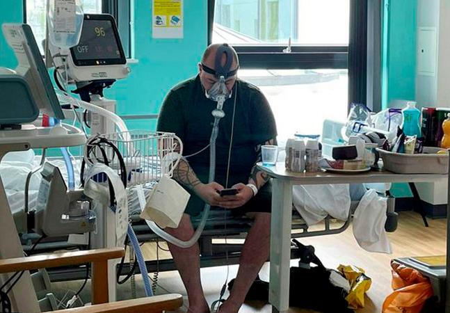 Antivacina morto pela covid tirou foto com respirador para mostrar arrependimento