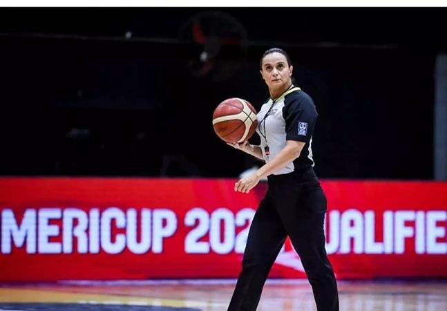 Andreia Silva: conheça a 1ª mulher a apitar um jogo de basquete masculino nas Olimpíadas