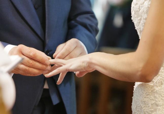 'Sempre infiel': nervosismo fez noivo cometer gafe no altar