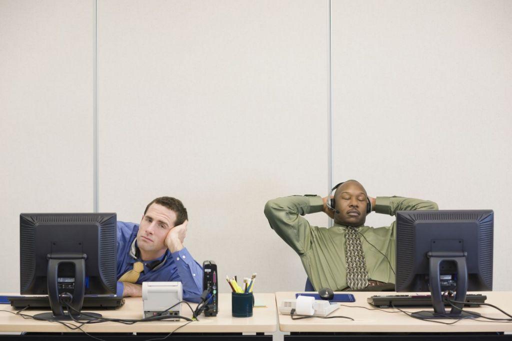 Síndrome de boreout afeta saúde mental por tédio no trabalho