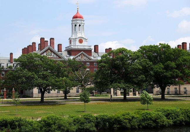Evento com a presença de Harvard, MIT, Columbia e Stanford te ajuda a estudar no exterior