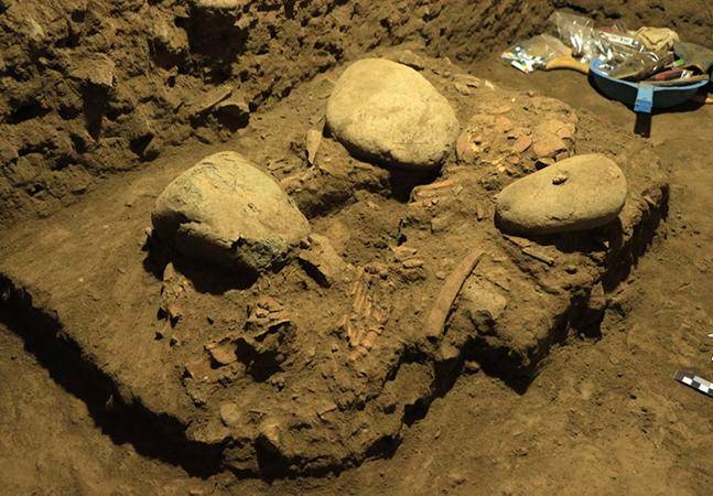Crânio de 7 mil anos achado na Indonésia pertence a jovem de sociedade perdida