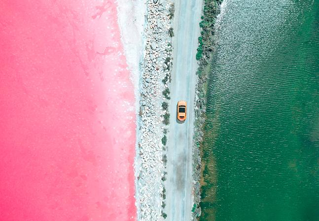 As salinas rosas e naturais que parecem manipulação digital no sul da França