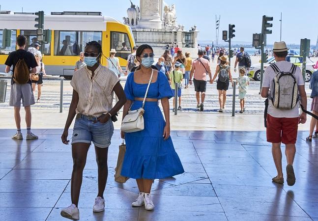 Covid: como Portugal aboliu máscaras e se tornou o país mais vacinado do mundo