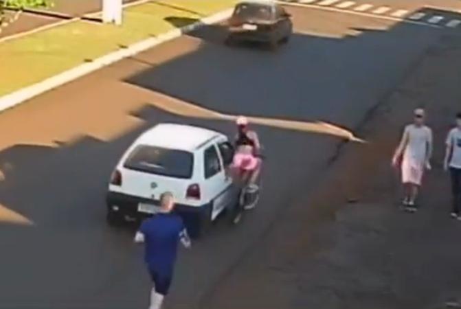 Estudante cai da bicicleta após ser apalpada por passegeiro de carro em caso de assédio no PR
