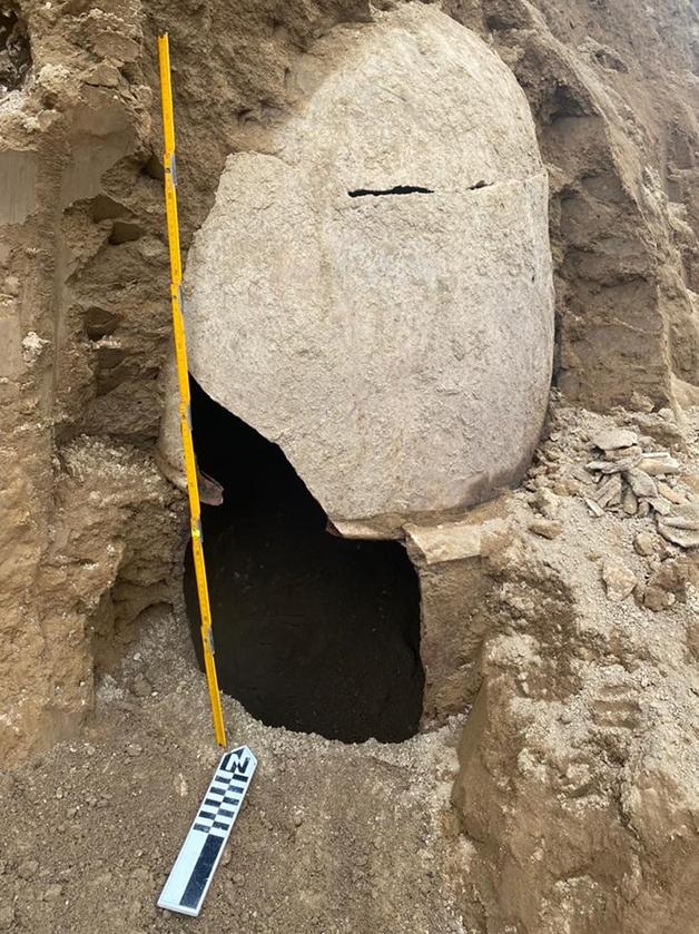 Urnas em cerâmica da cultura Milagro-Quevedo