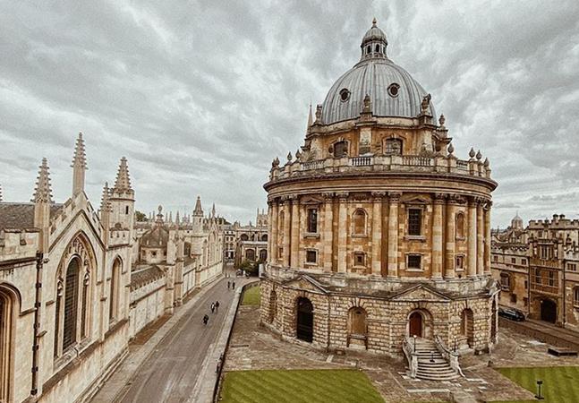 Oxford oferece bolsas, com estadia e passagem, para brasileiros estudarem na Inglaterra