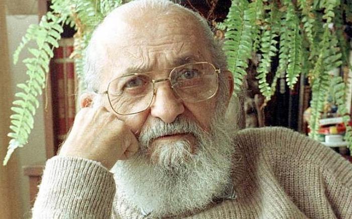 Paulo Freire: governo federal não pode atacar dignidade de patrono da educação, decide Justiça