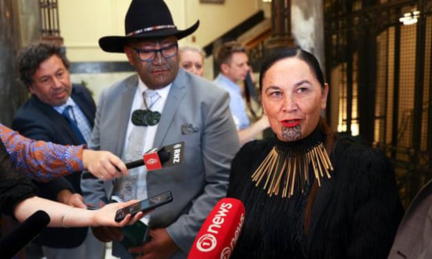 As lideranças do Partido Mãori, Rawiri Waititi e Debbie Ngarewa-Packer