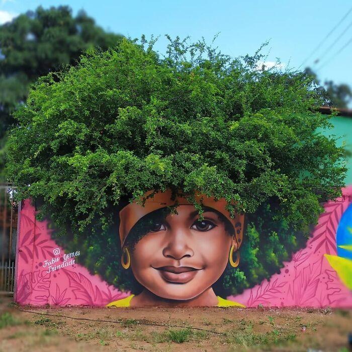Ela cria grafites usando a força das árvores para representar o poder da  mulher negra | Hypeness – Inovação e criatividade para todos.