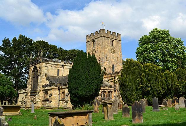 A igreja St. Mary, onde ocorreu o festival. foi construída em 1020